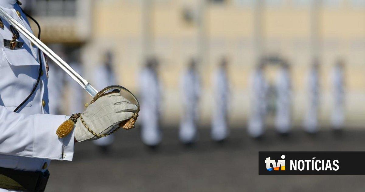 Privação de sono, pontapés e cuspidelas. Mãe de cadete relata abusos na Escola Naval